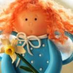 Куколка из глины Цветочек