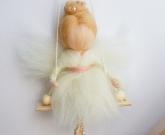 Ангел кукла на качелях