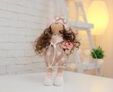 Большая кукла в платье