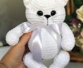 Кот игрушка белый