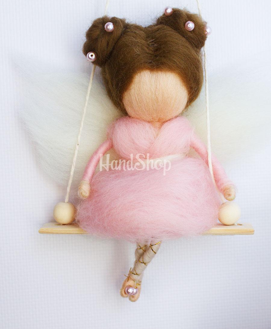 Сувенир подвеска из шерсти Ангелочек