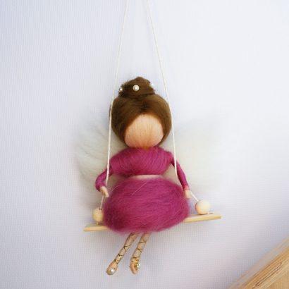 Мини куколка Ангел на качели