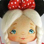 Мини кукла Микки