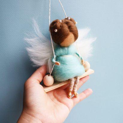 Детская кукла на качели Фея