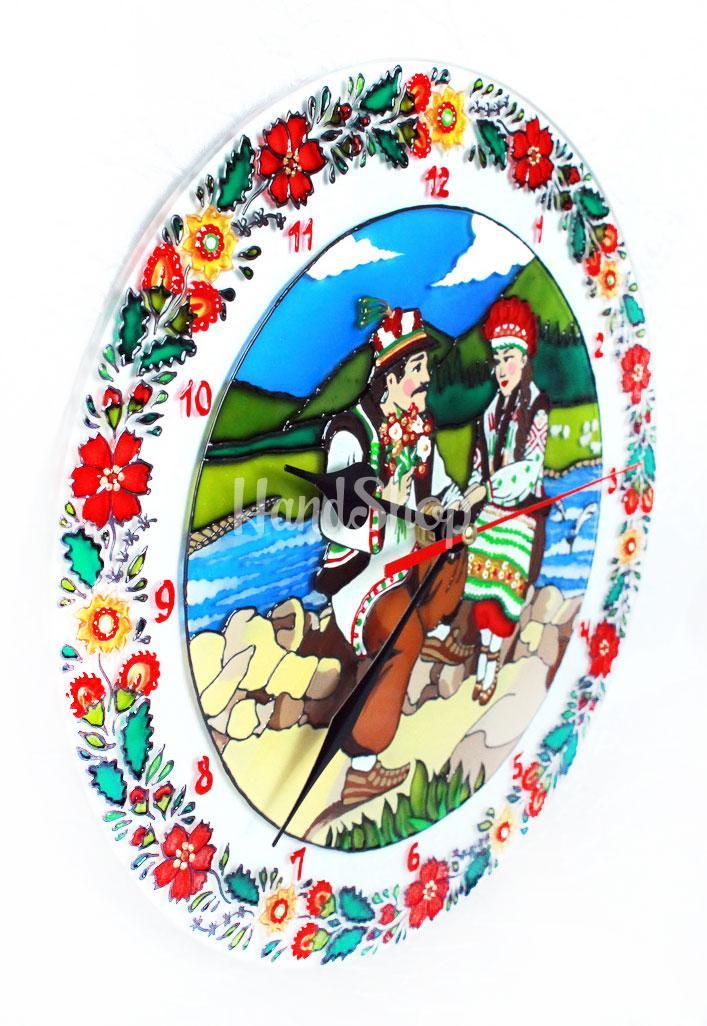 Круглые витражные часы гуцул Карпаты