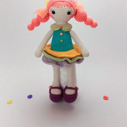 Вязаная кукла крючком в платье