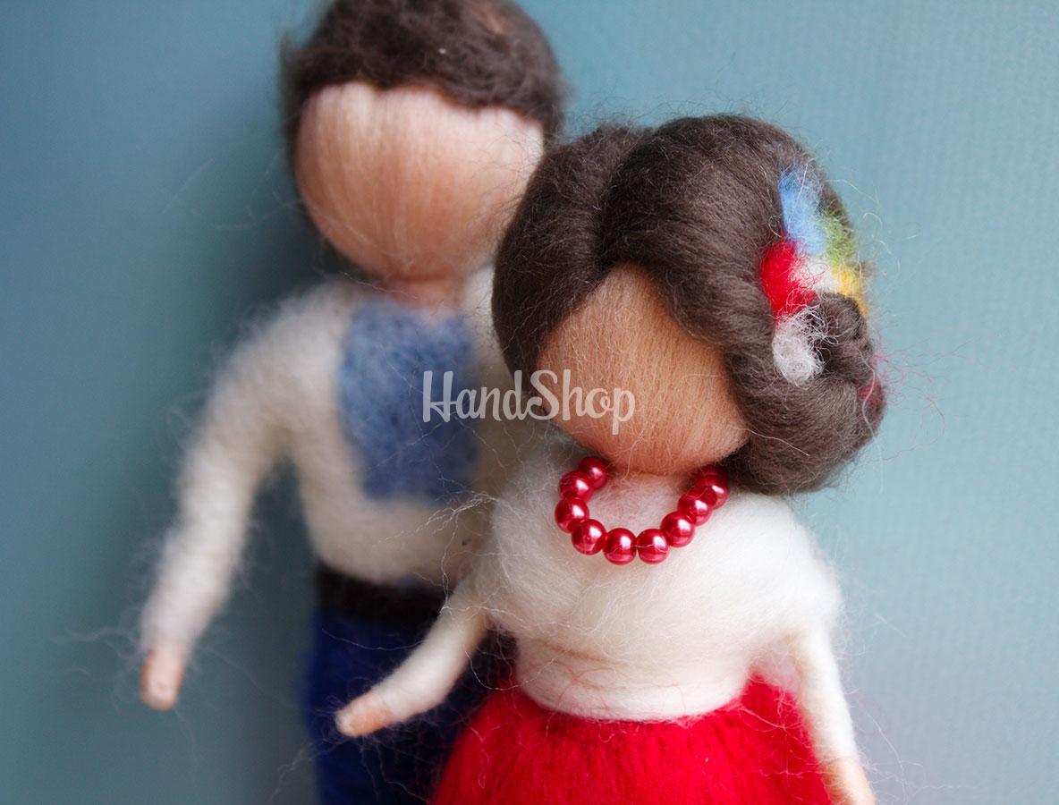 Куклы свадебная пара в украинских костюмах