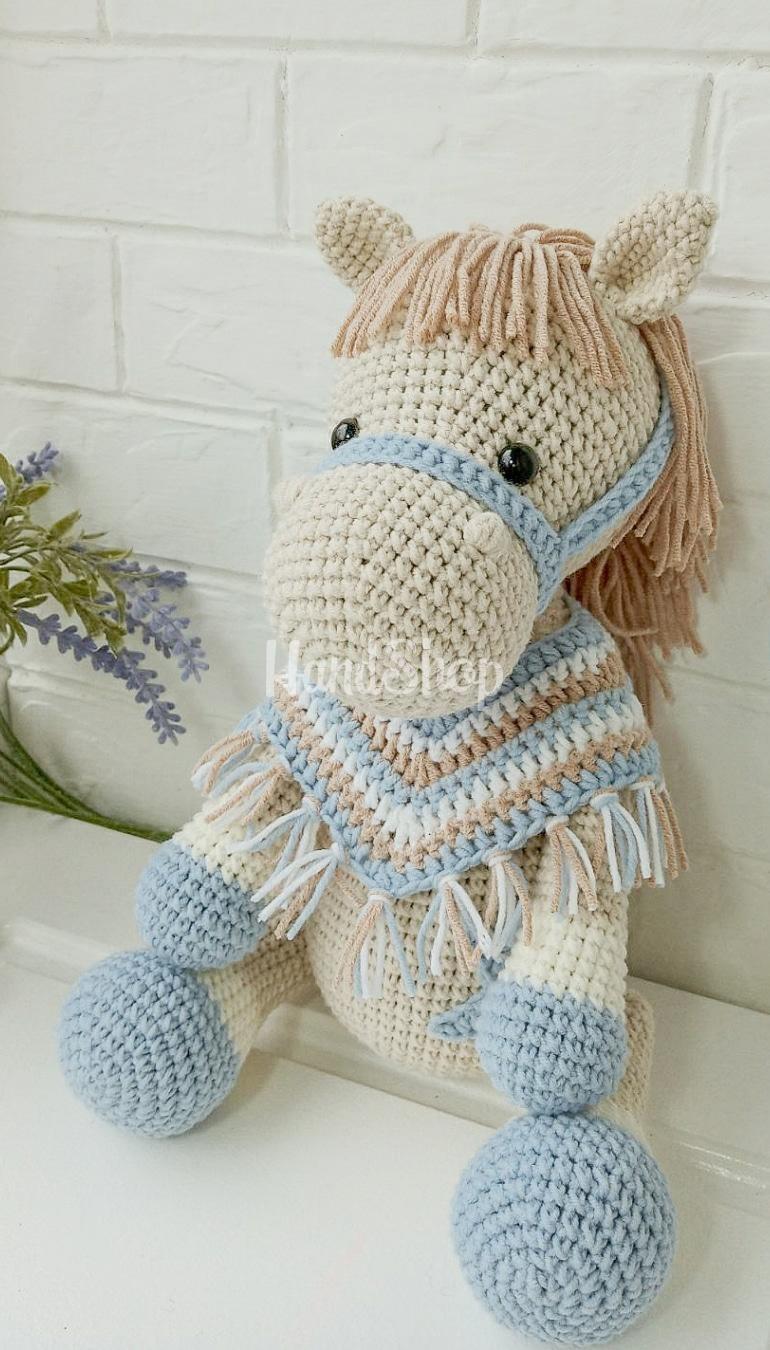 Игрушка лошадка мягкая в пончо
