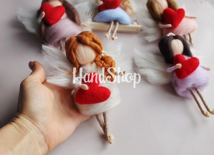 Мини куколка своими руками с шерсти Валентинка