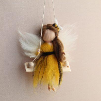 Кукла ангел из шерсти Пчёлка