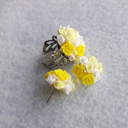 Серьги гвоздики и кольцо жёлтые розы