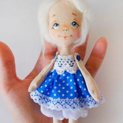 Мини куколка с короной
