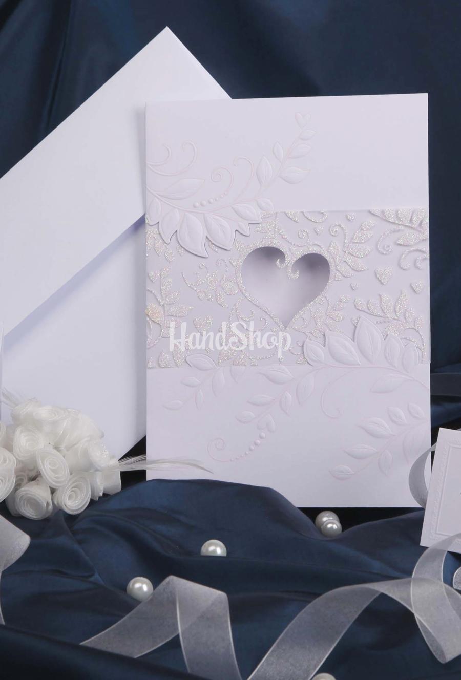 Свадебная открытка с тиснением сердце