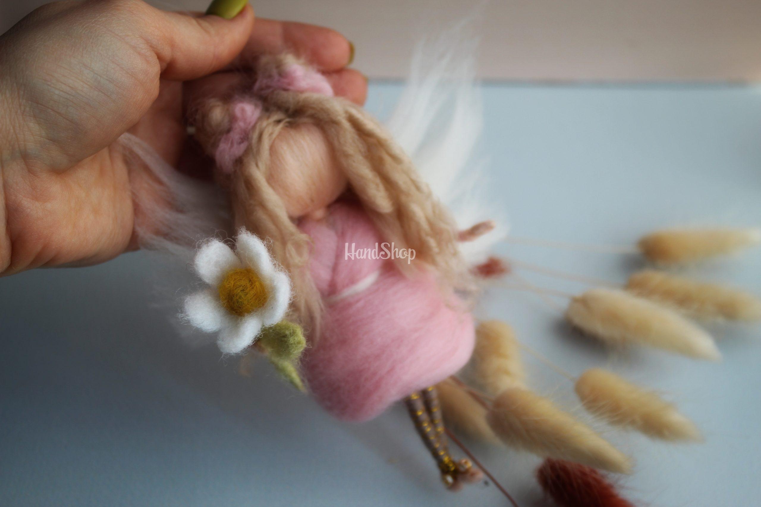 Мини куколка подвеска с цветочком Ромашкой