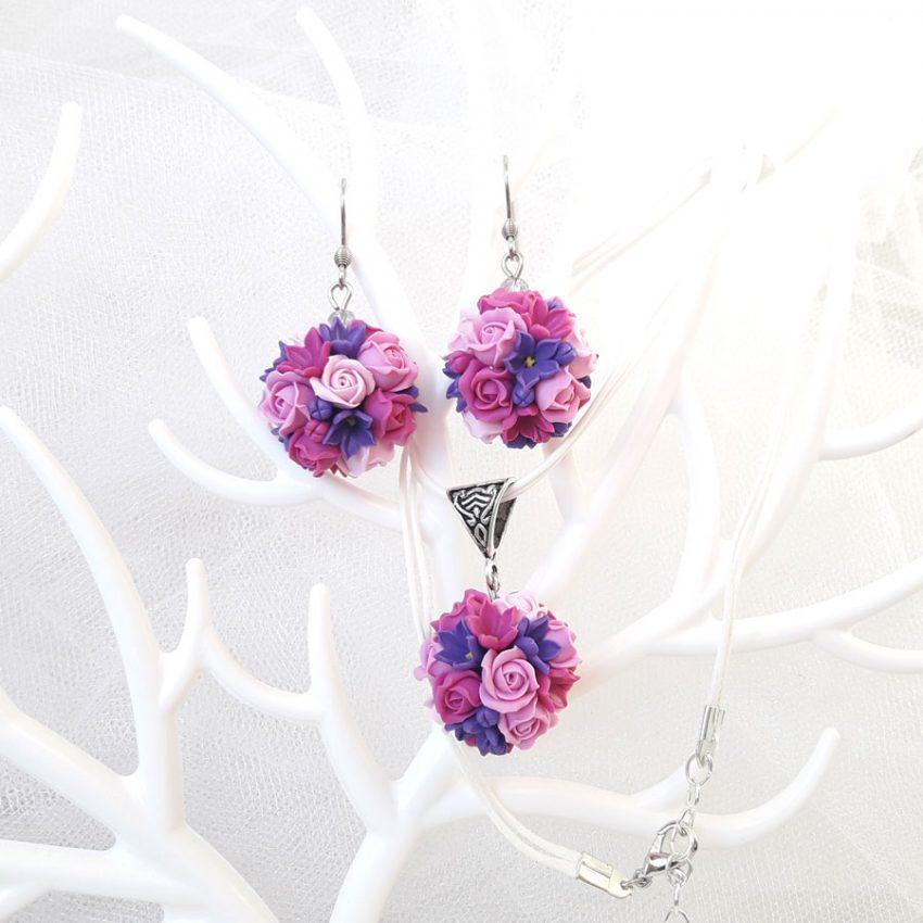 Комплект из глины серьги и кулон фиолетовые цветы