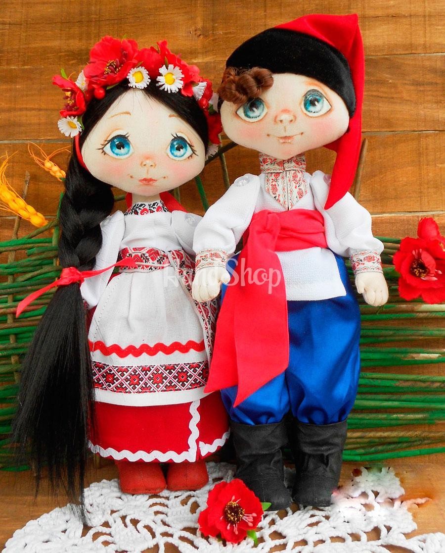 Пара куклы в украинском костюме
