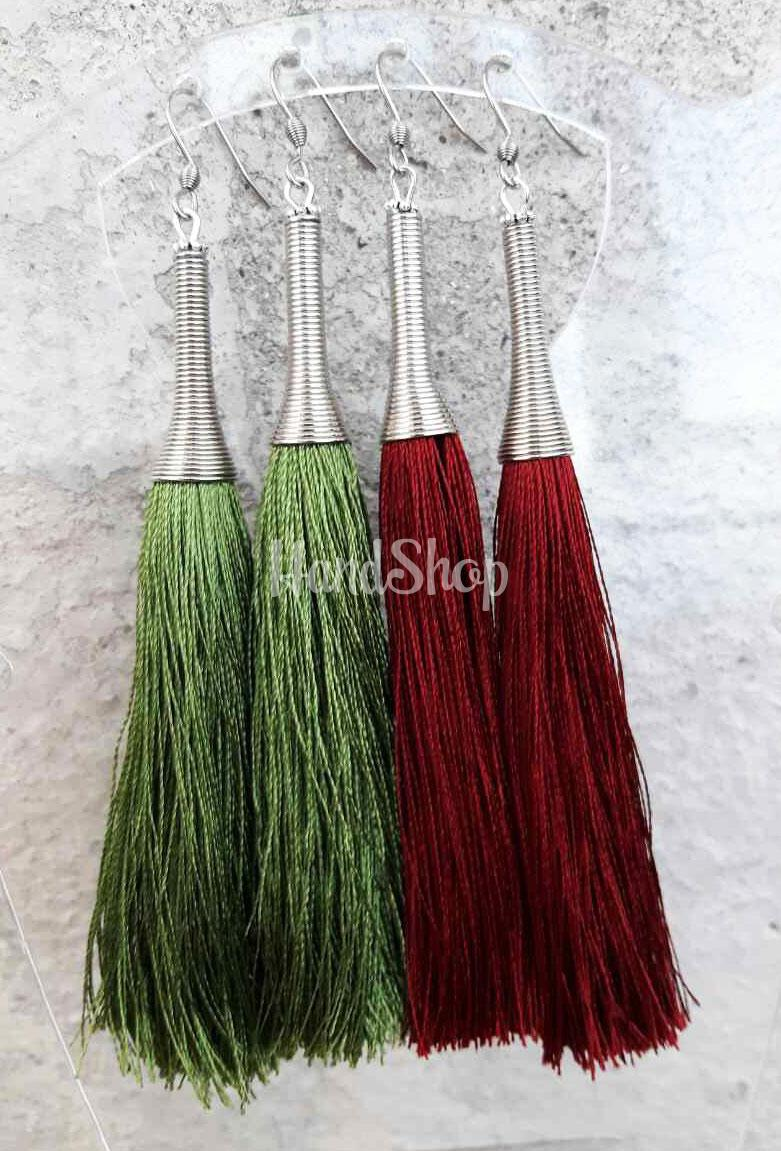 Серьги кисточки с зеленой шелковой нити