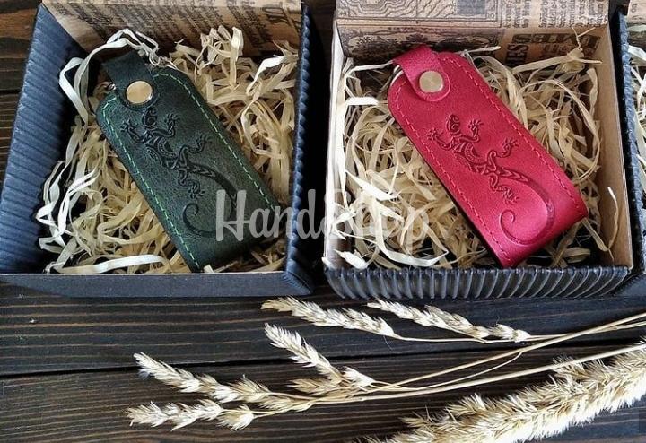 Брелок на ключи саламандра кожа