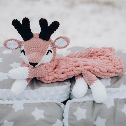 Пижамница олень крючком из плюшевой пряжи