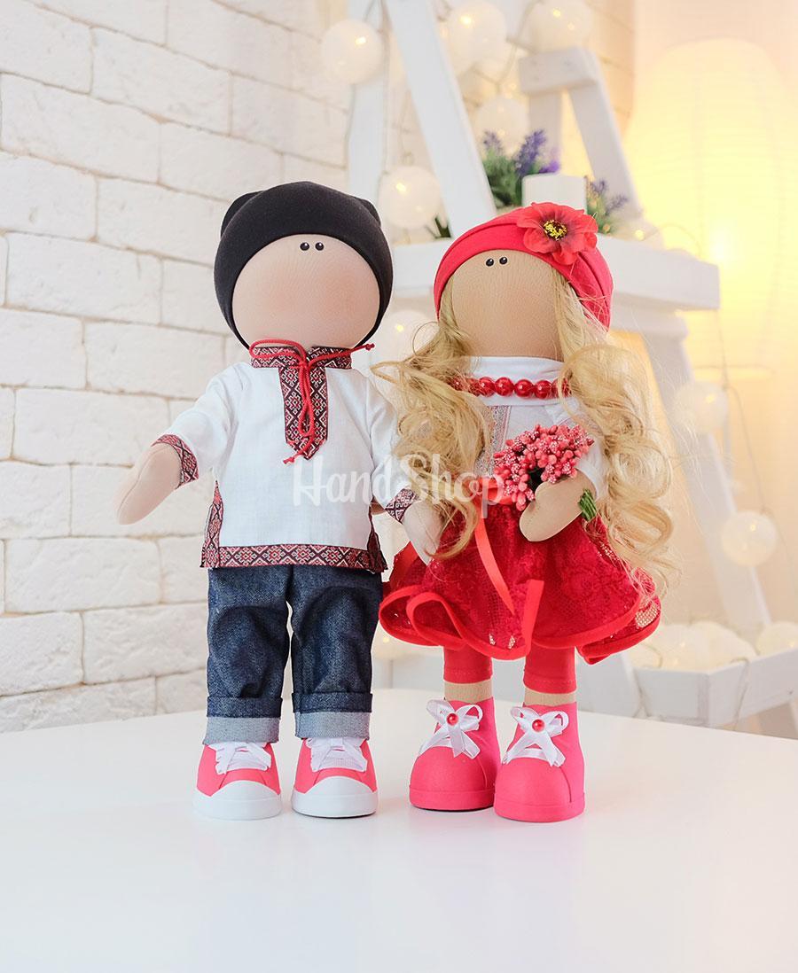 Куклы сувенирные в украинских костюмах